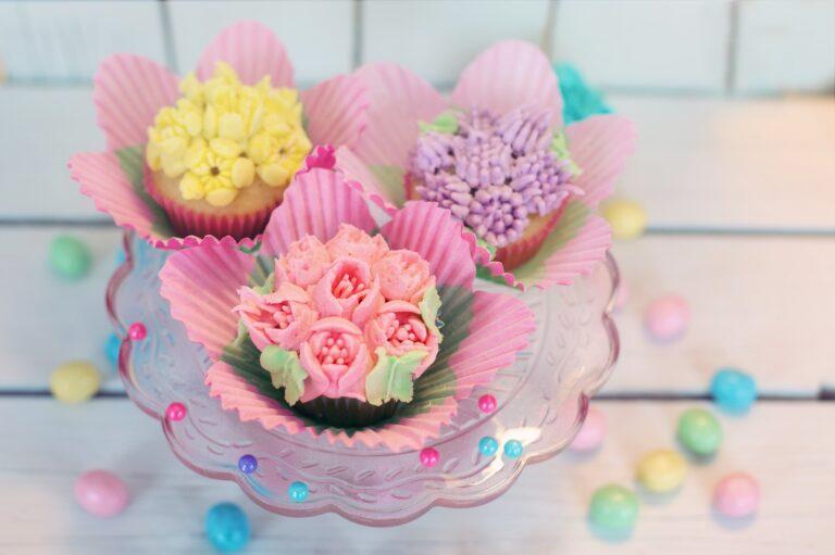 3つのお祝いケーキ