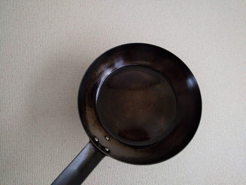 鉄のフライパン